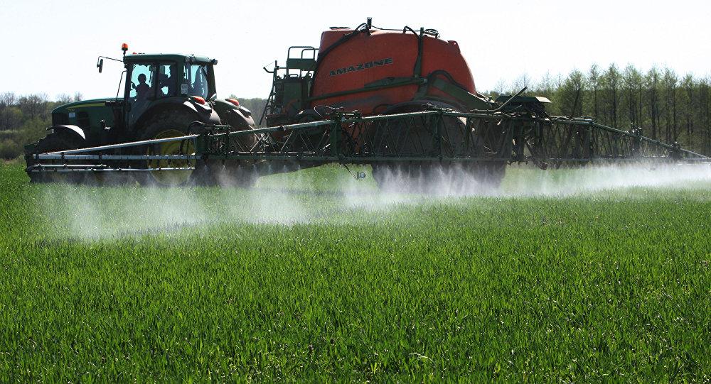 Распыление гербицида